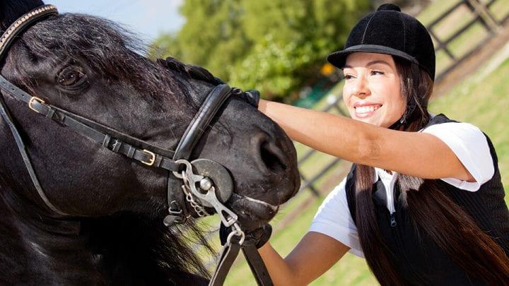 WELLINGTON EQUESTRIAN POLO NUTRITION HEALTH HORSE RIDER FL CAROLINE CEA BRYAN